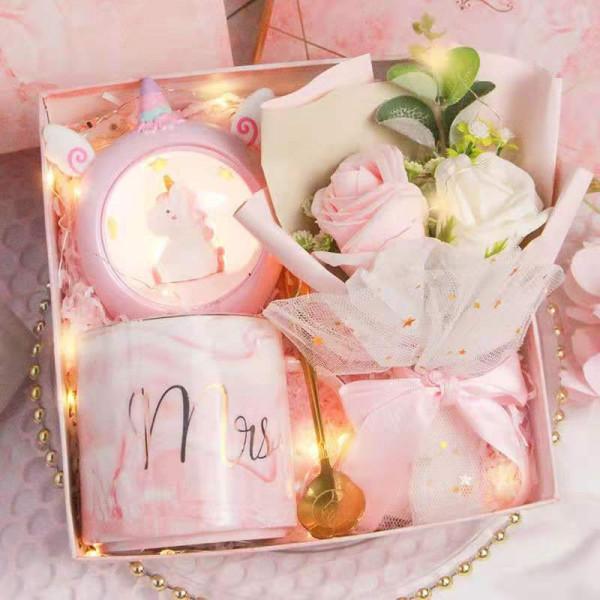 Flower Bouquet Birthday Gift Box